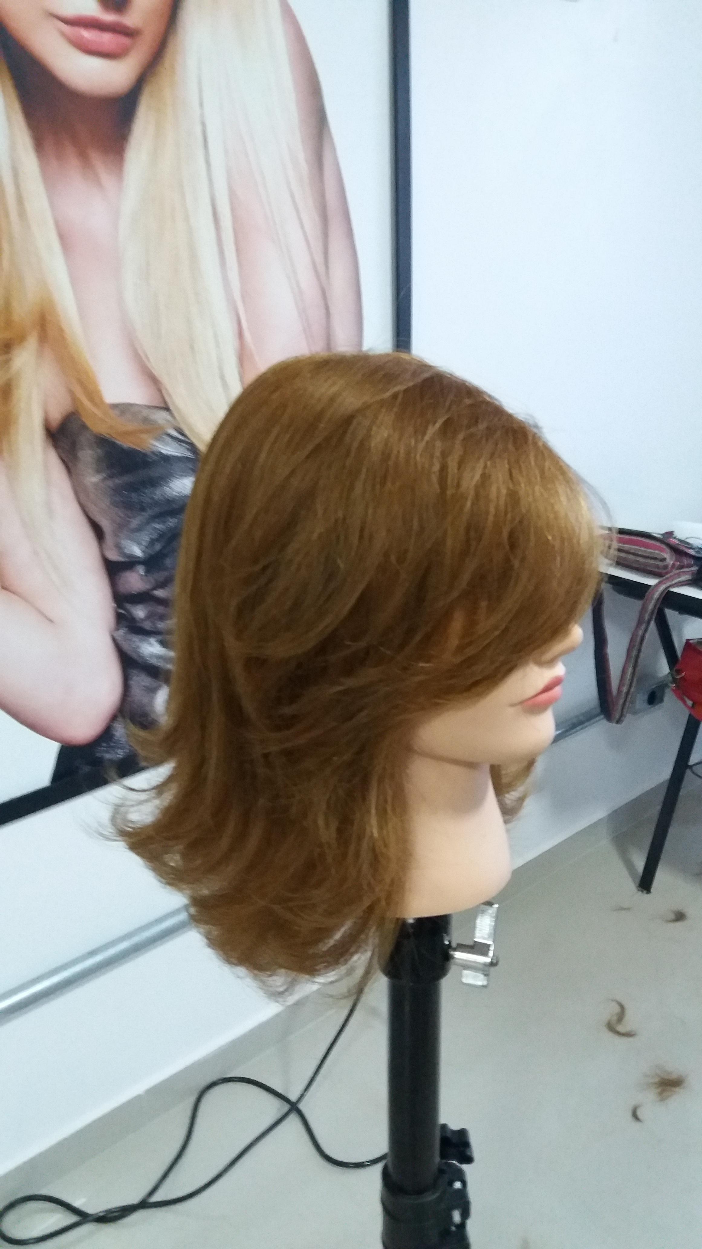 Corte em camadas  cabelo cabeleireiro(a) designer de sobrancelhas depilador(a)