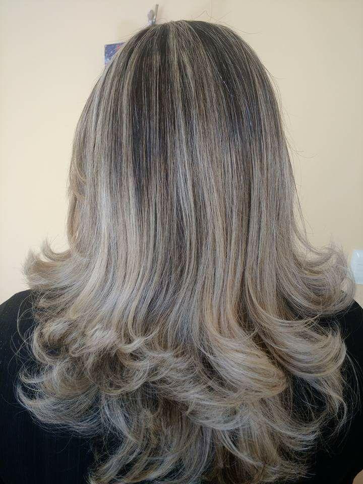 Escova modelada cabelo auxiliar cabeleireiro(a)