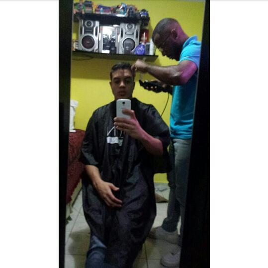 Atendendo mais um cliente cabelo barbeiro(a)