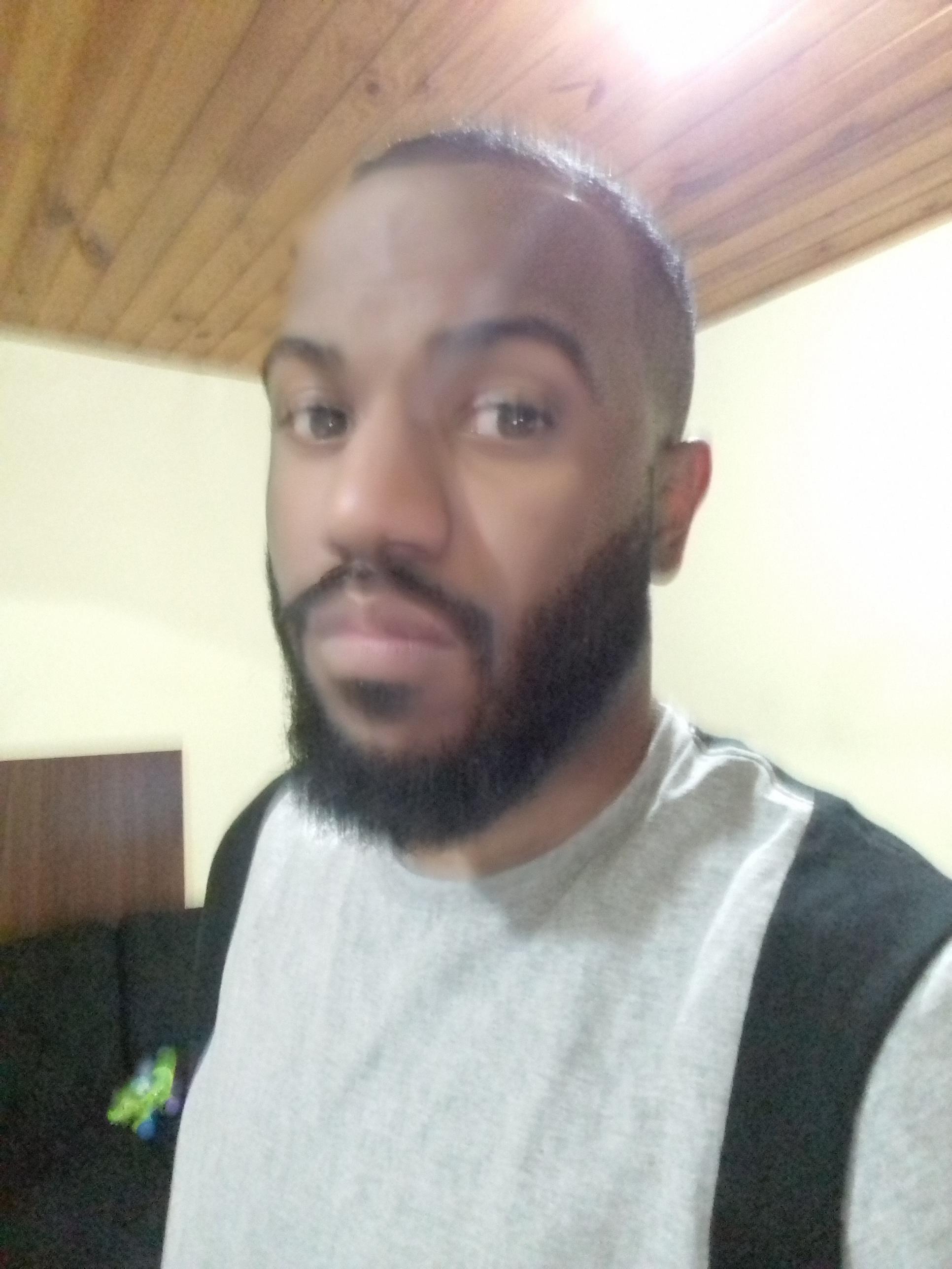 Barba e cabelo feito por eu mesmo cabelo barbeiro(a)