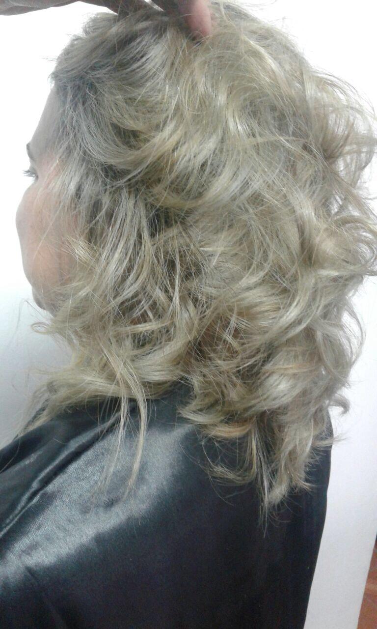 cabelo cabeleireiro(a) designer de sobrancelhas stylist / visagista stylist / visagista