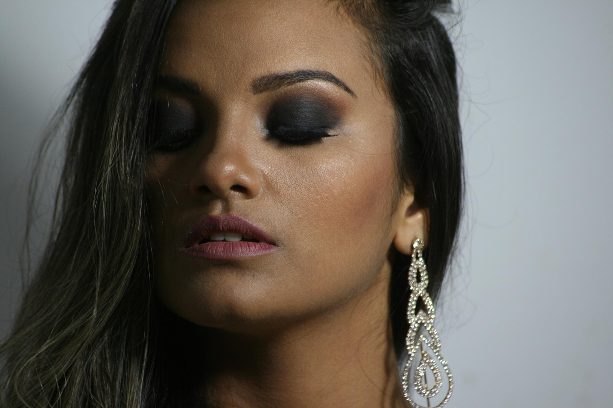 Minha modelo usado o famoso olhão total black  maquiagem maquiador(a)