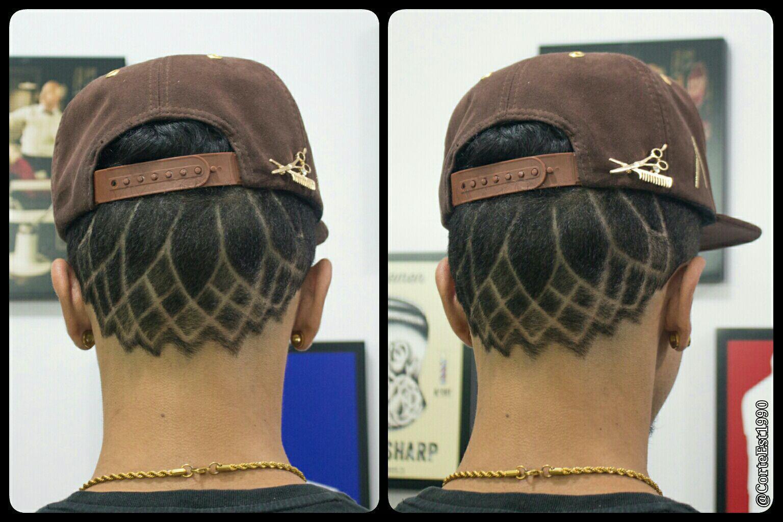 CORTE EST. 1990 ✂ 💈   Corte com graduação nas laterais e risco personalizado, mandala...Venha Conferir!!!  #corte #corteest1990 #vemprocorte #barbearia #quitauna #osasco #sp  Rua Luís Henrique de Oliveira, 81 Quitaúna . Osasco - SP  Tel.983358687 cabelo barbeiro(a) cabeleireiro(a)