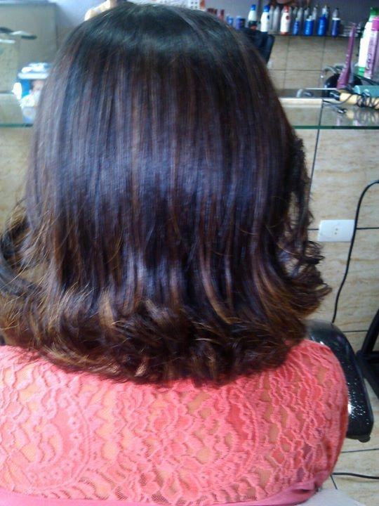 Sou cabeleireira profissional, a 10 anos na area, meu forte e química,progressiva coloração, escova, cortes feminino, sempre trabalhei com meu publico feminino. Amo minha profissão trabalhar com as Divas. cabelo auxiliar cabeleireiro(a)