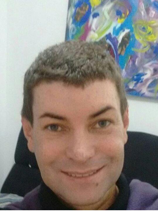 maquiador(a) stylist / visagista stylist / visagista stylist / visagista cabeleireiro(a)