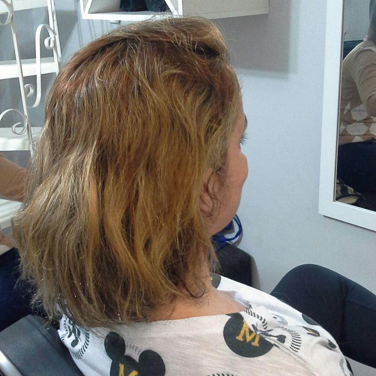 ANTES E   Trabalho executado  Técnica que será realizada Tonalizacão 5.0+ ox 3 % da mutari Luzes e mechas, pó descolorant mutari + ox 9% Botox  Corte cabelo cabeleireiro(a) maquiador(a) empresário(a)