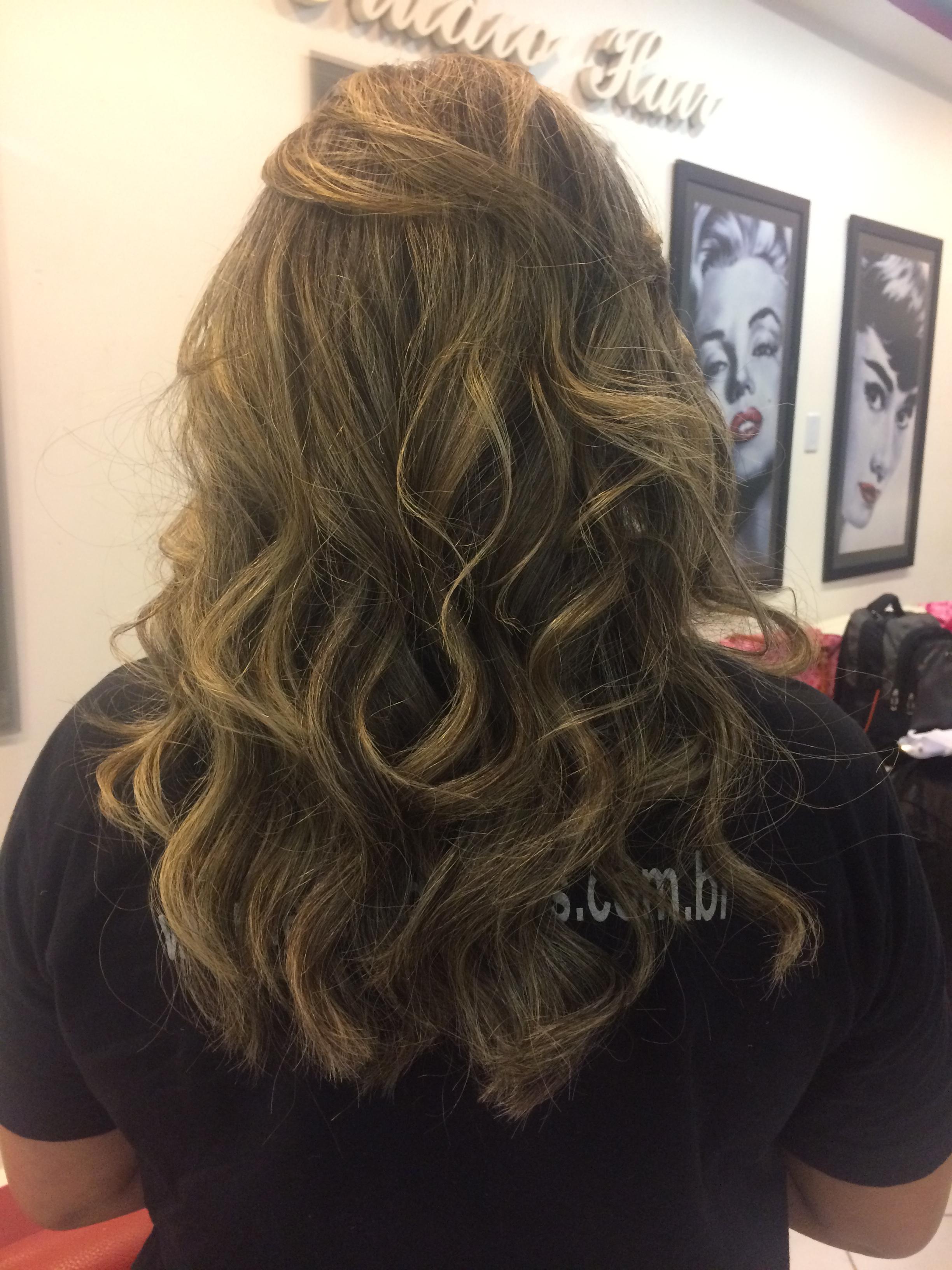 Escola e babyliss  cabelo auxiliar cabeleireiro(a)
