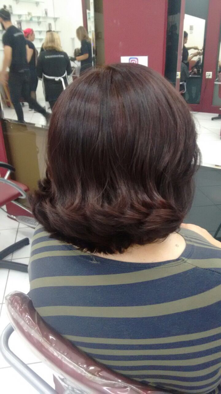 COloração e escova  cabelo auxiliar cabeleireiro(a)