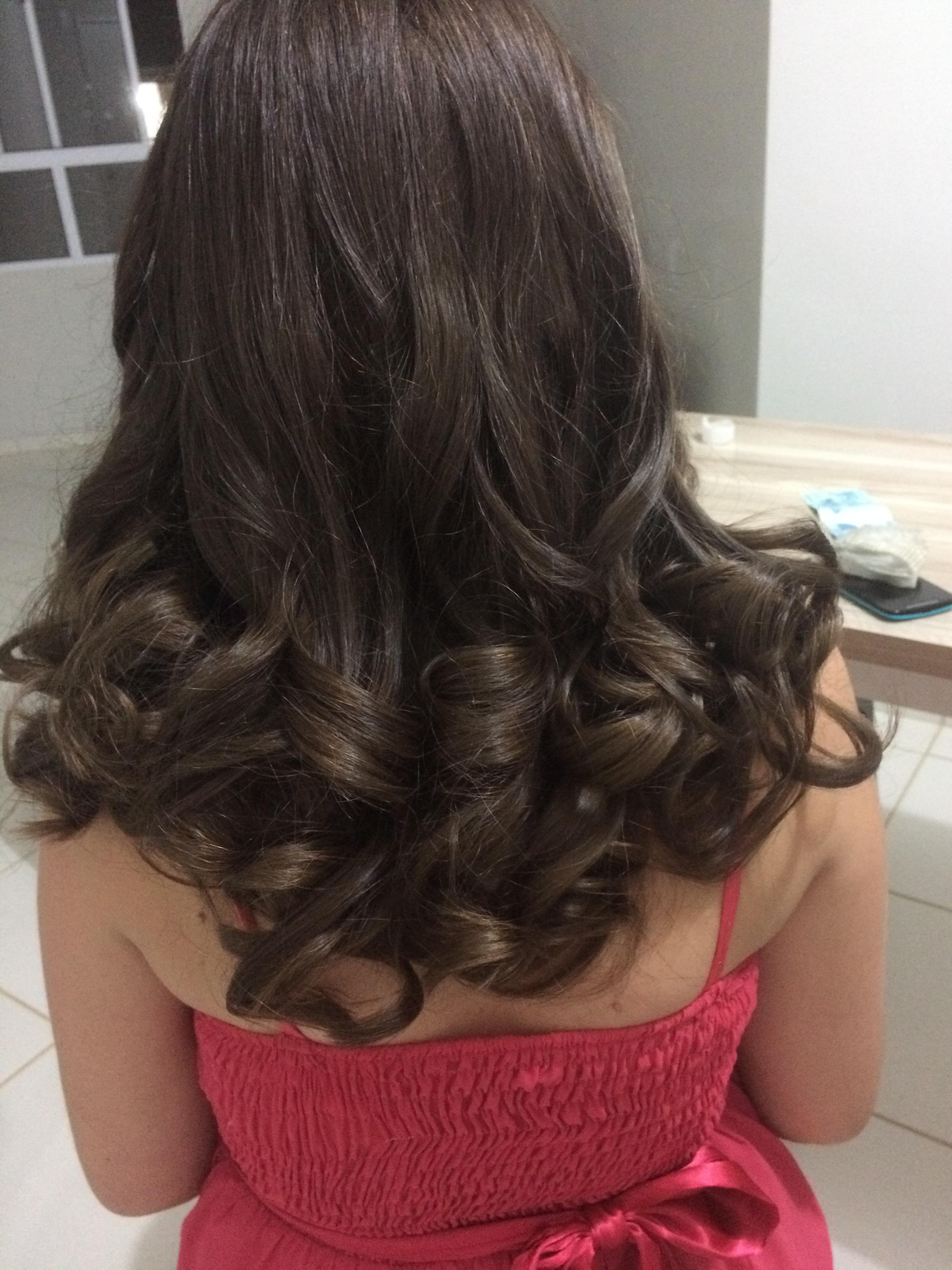 Cachos com chapinha  cabelo auxiliar cabeleireiro(a)