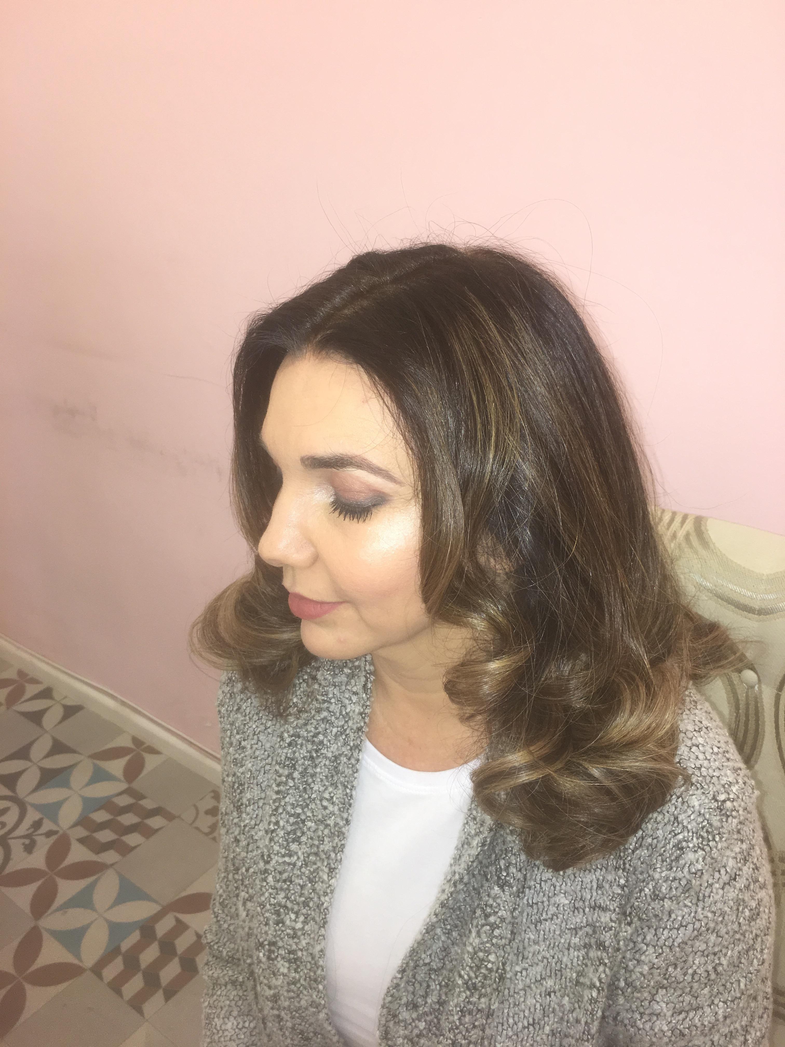 Escova modelada cabelo cabeleireiro(a) auxiliar cabeleireiro(a)