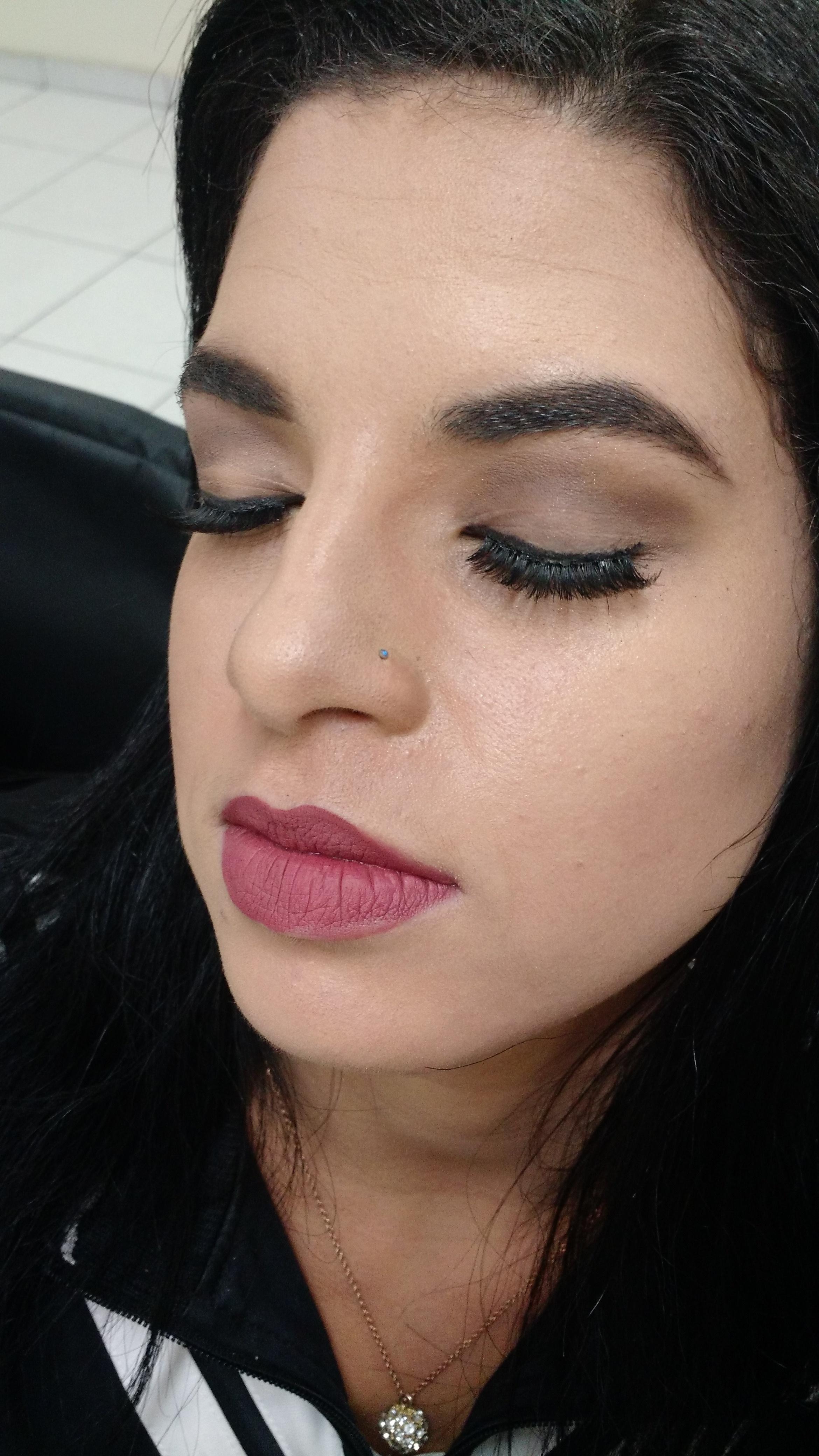 Make feita em Cliente maquiagem maquiador(a) designer de sobrancelhas manicure e pedicure micropigmentador(a)