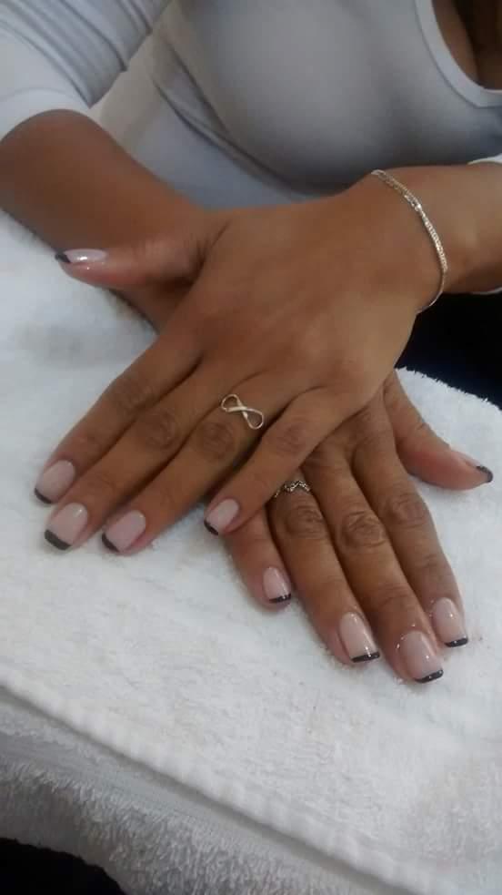 Francesinha preta, um diferencial.  unha estudante (manicure)