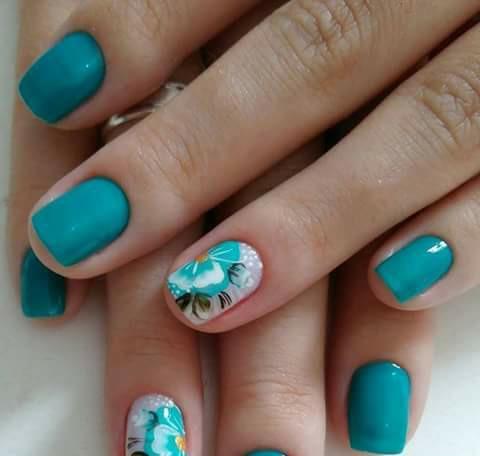 Lindo azul piscina com flor de cargamassa dupla  unha manicure e pedicure designer de sobrancelhas depilador(a) cabeleireiro(a) maquiador(a)