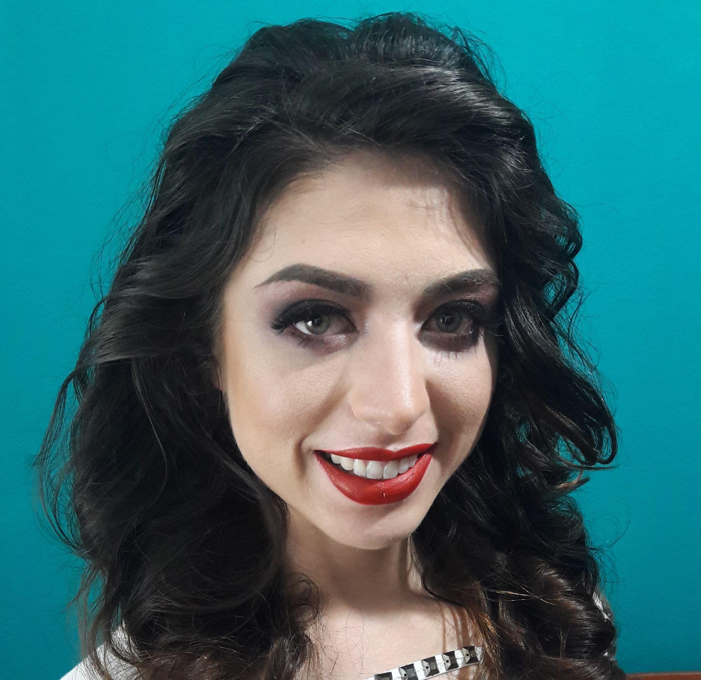 #maquiagem #maquiagemprofissional #maquiadora #ensaiofotografico #maquiadoraprofissional #beleza #makeup #cursodemaquiagem #cursoautomaquiagem #maquiagemhd #maquiagemnatural #belezanatural #noova #maquiagemnoiva #maquiagendebutante #maquiagemformanda #maquiagemcasamento maquiagem maquiador(a)