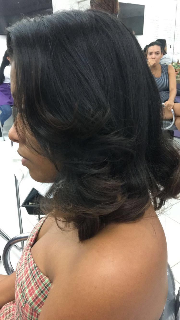 Escova e corte cabelo