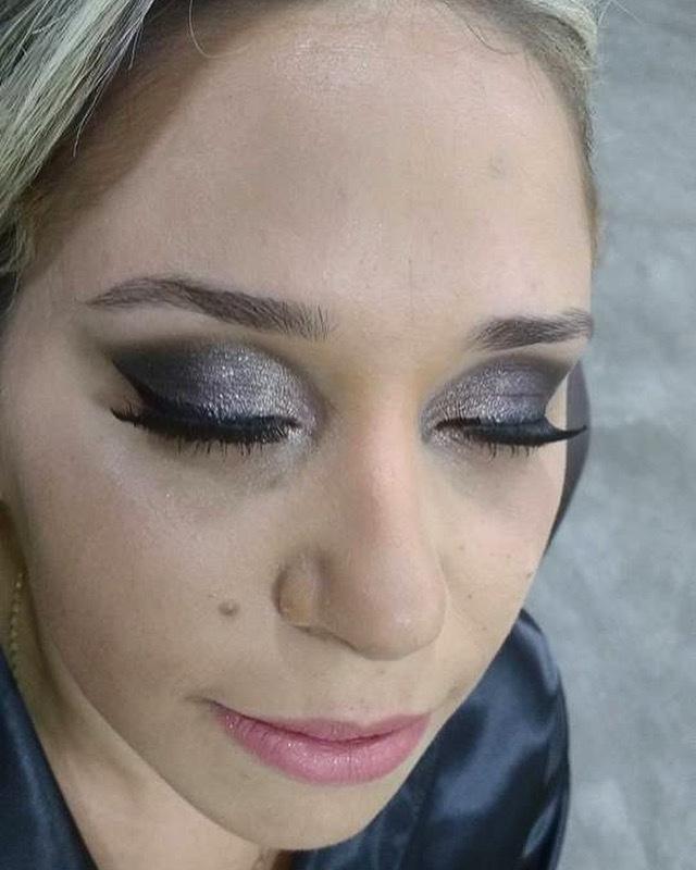 #maquiagem #makeup #beauty #mua #madrinhas #formandas #noivas #makefesta maquiagem maquiador(a)