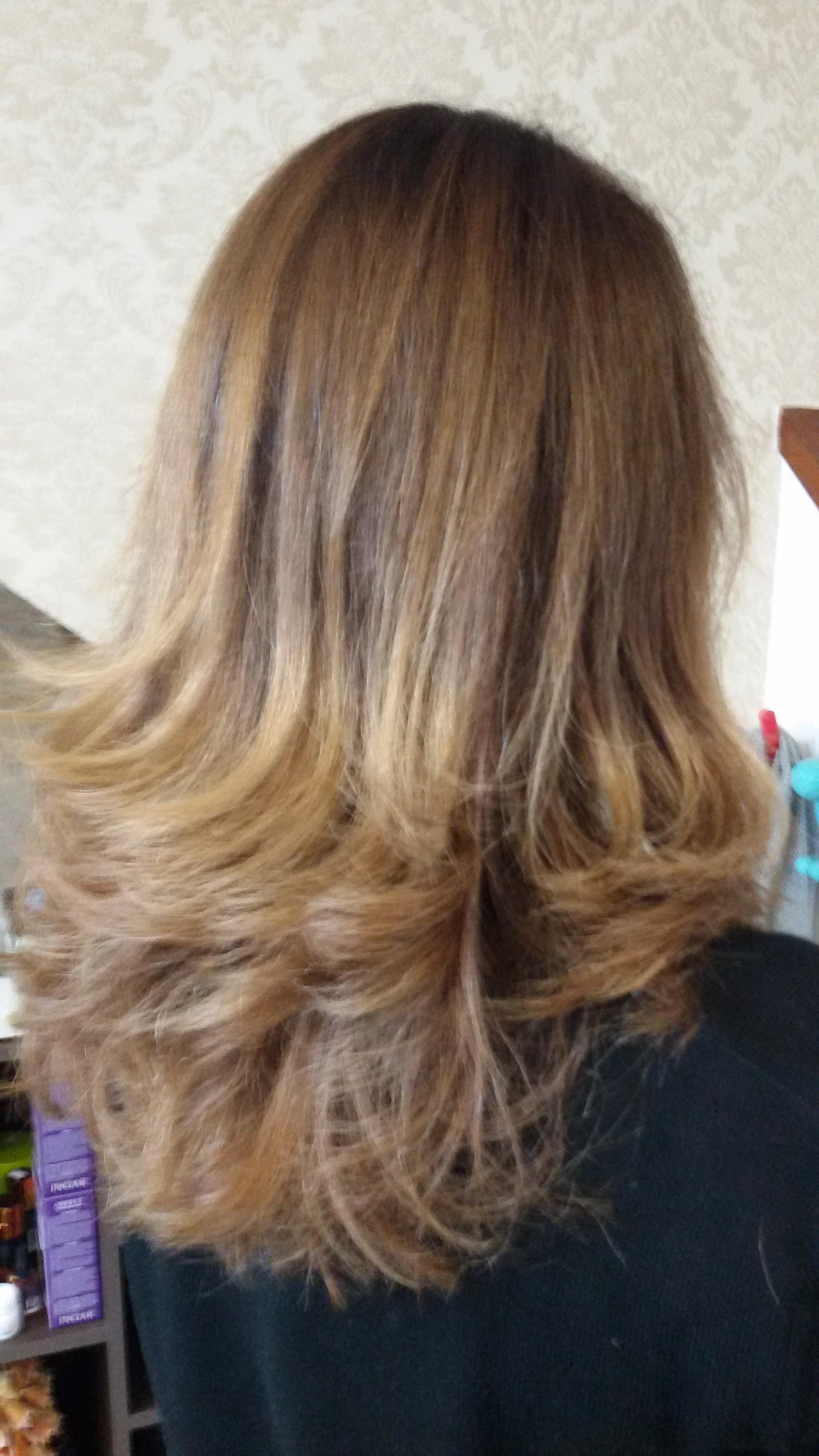 Corte, hidratação e escova modelada cabelo cabeleireiro(a)