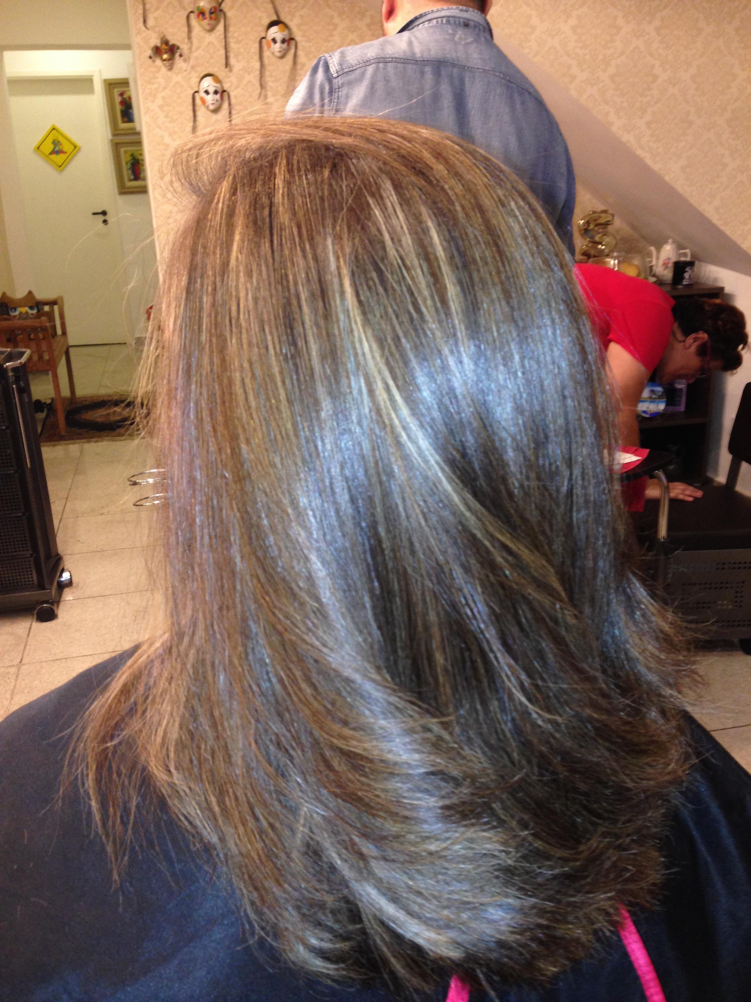 Corte, luzes, reconstrução e escova cabelo cabeleireiro(a)