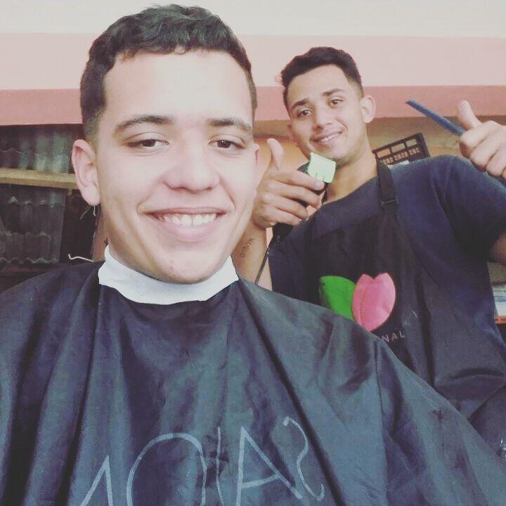 Corte 1  cabelo barbeiro(a)