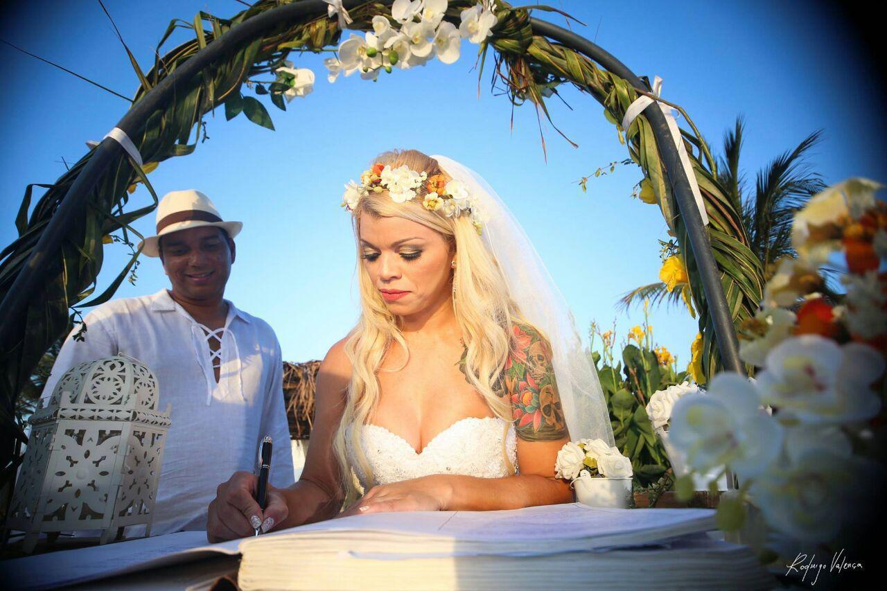 Noivinha linda e estilosaaa! Casamento lindo, q tive o prazer de estar presente. Foi lindo!! Makeup e cabelo por mim maquiagem maquiador(a) cabeleireiro(a)