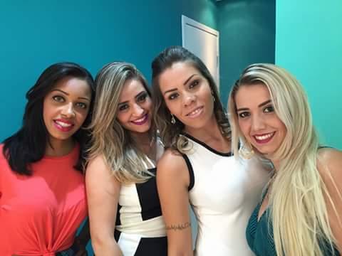 Meninas do camarim das sobrancelhas equipe maravilhosa da recepção.  outros gerente micropigmentador(a)
