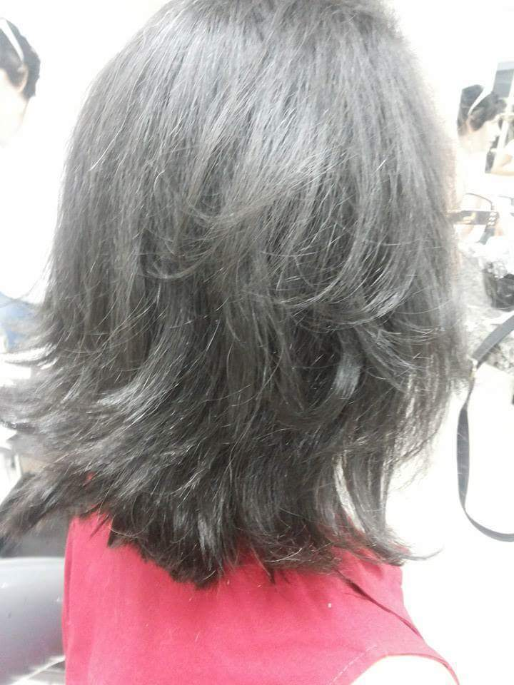 Escova lisa  cabelo esteticista assistente esteticista estudante (esteticista)