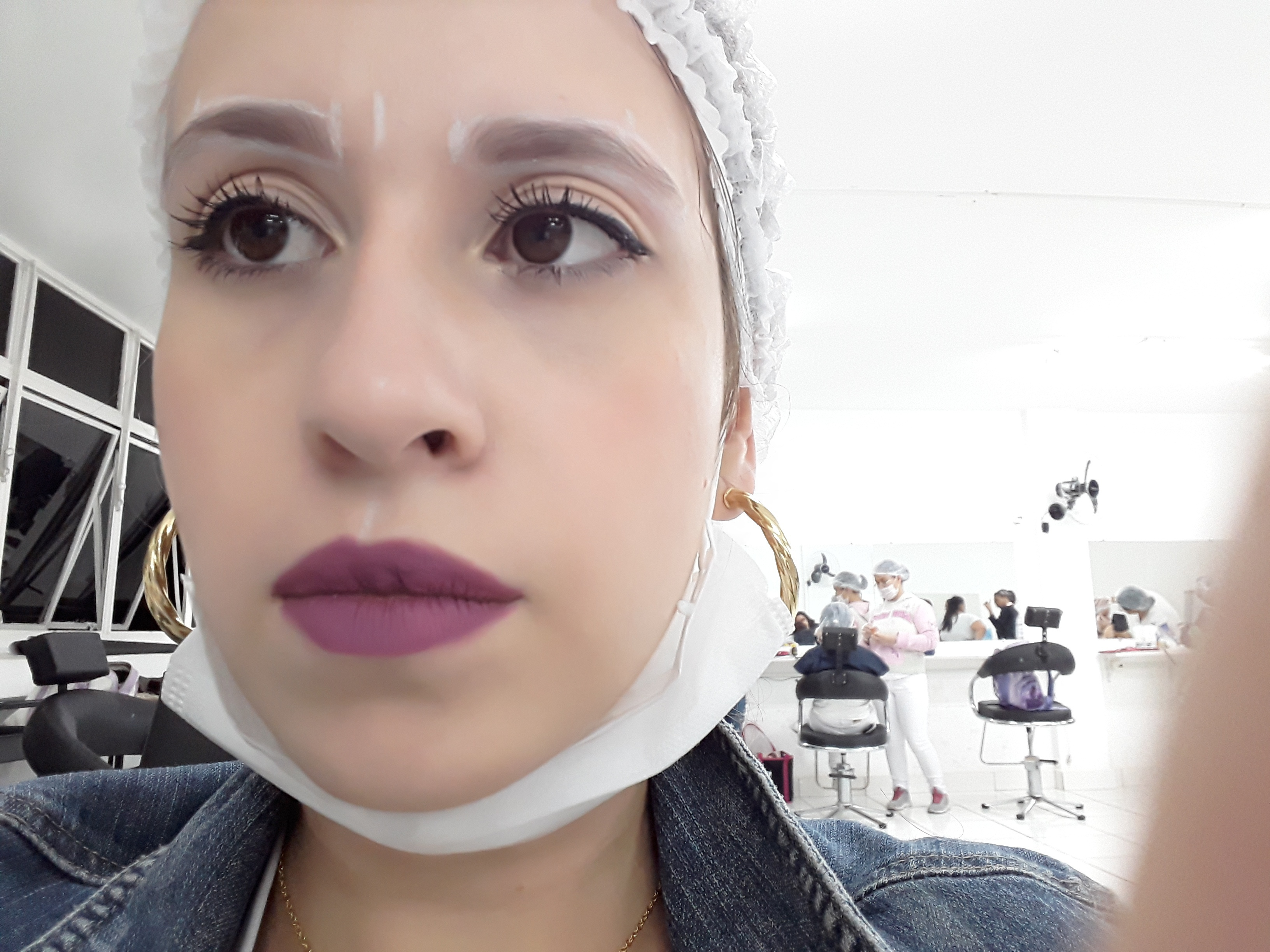 Medição de sobrancelha , com paquímetro.  outros maquiador(a) designer de sobrancelhas