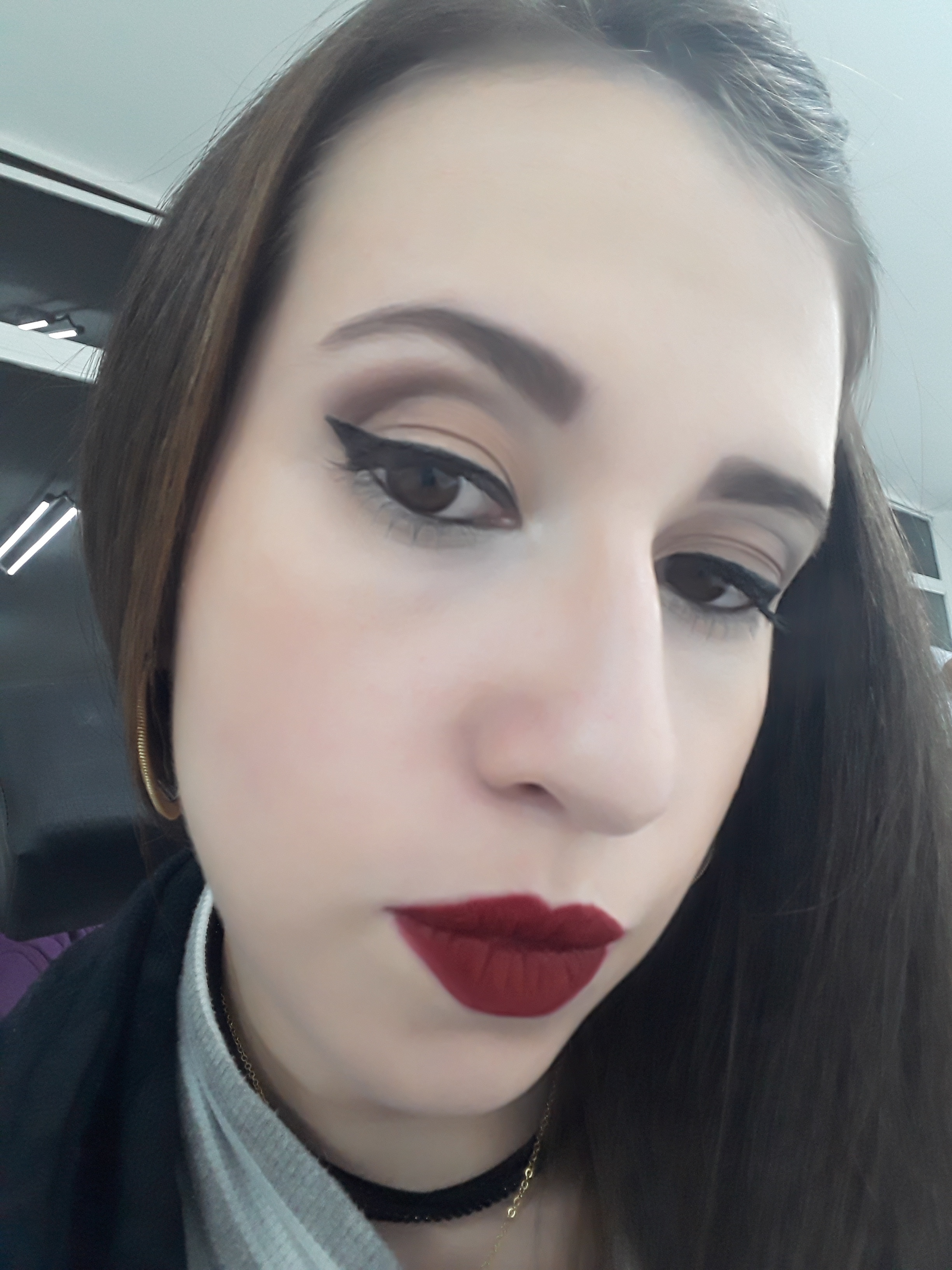 Make básica mais delineado. maquiagem maquiador(a) designer de sobrancelhas