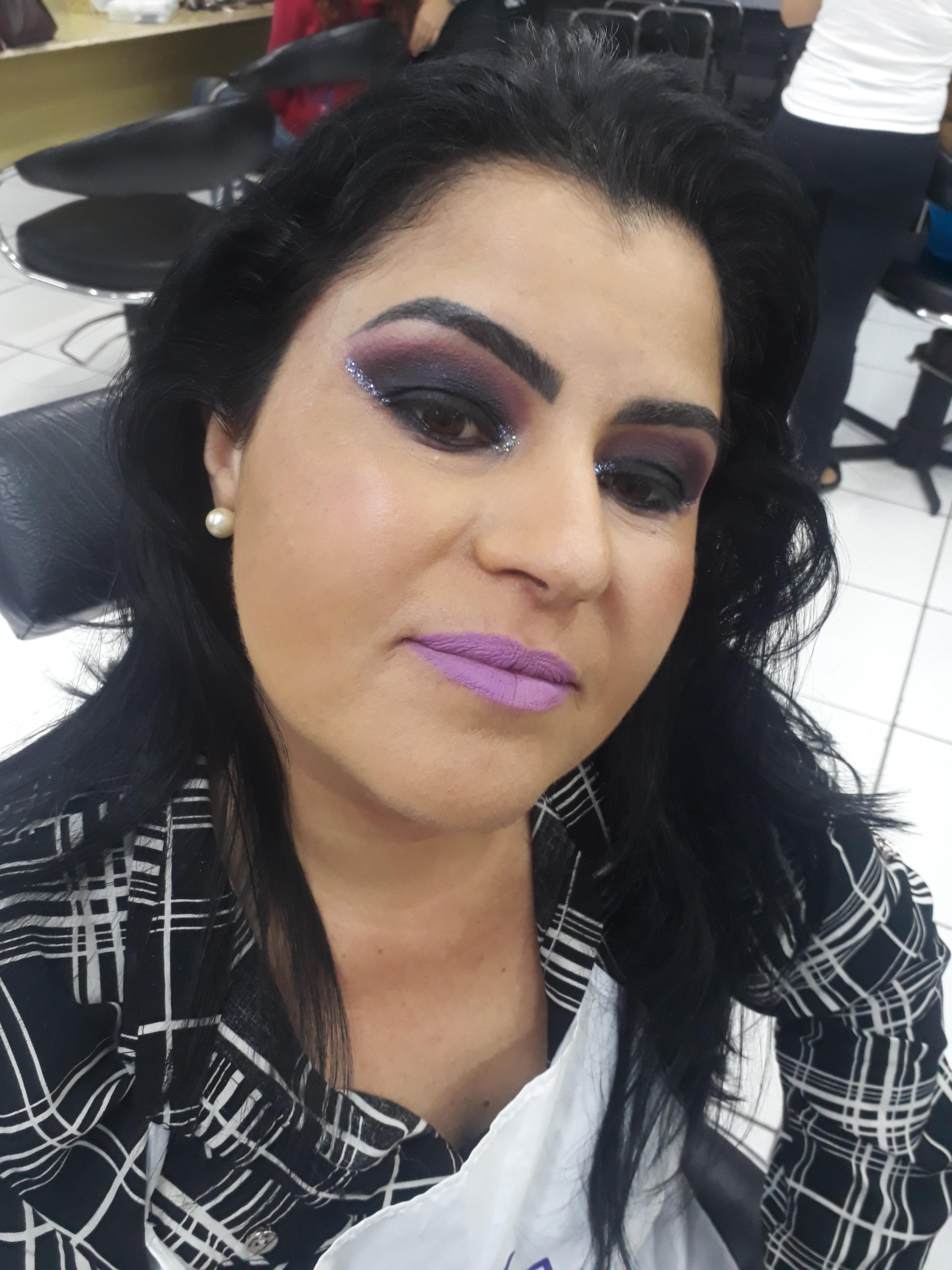 Proposta de make para noite, bem marcante. maquiagem maquiador(a) designer de sobrancelhas
