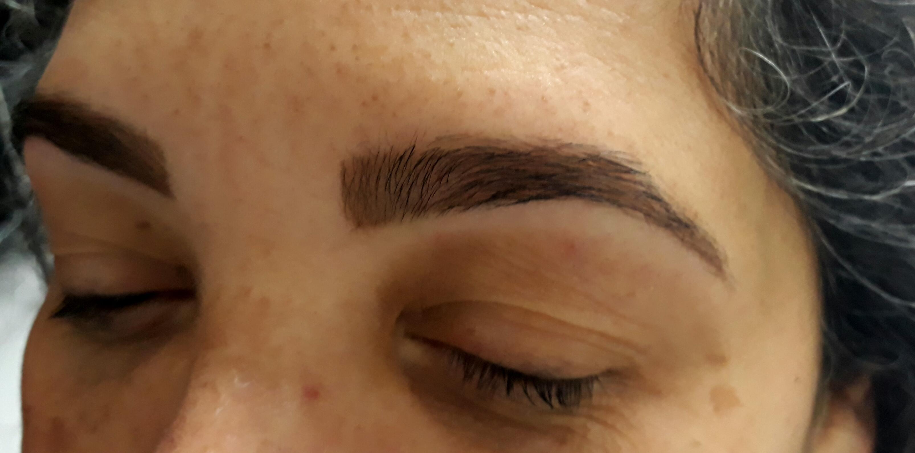 Design de sobrancelha com henna outros maquiador(a) designer de sobrancelhas