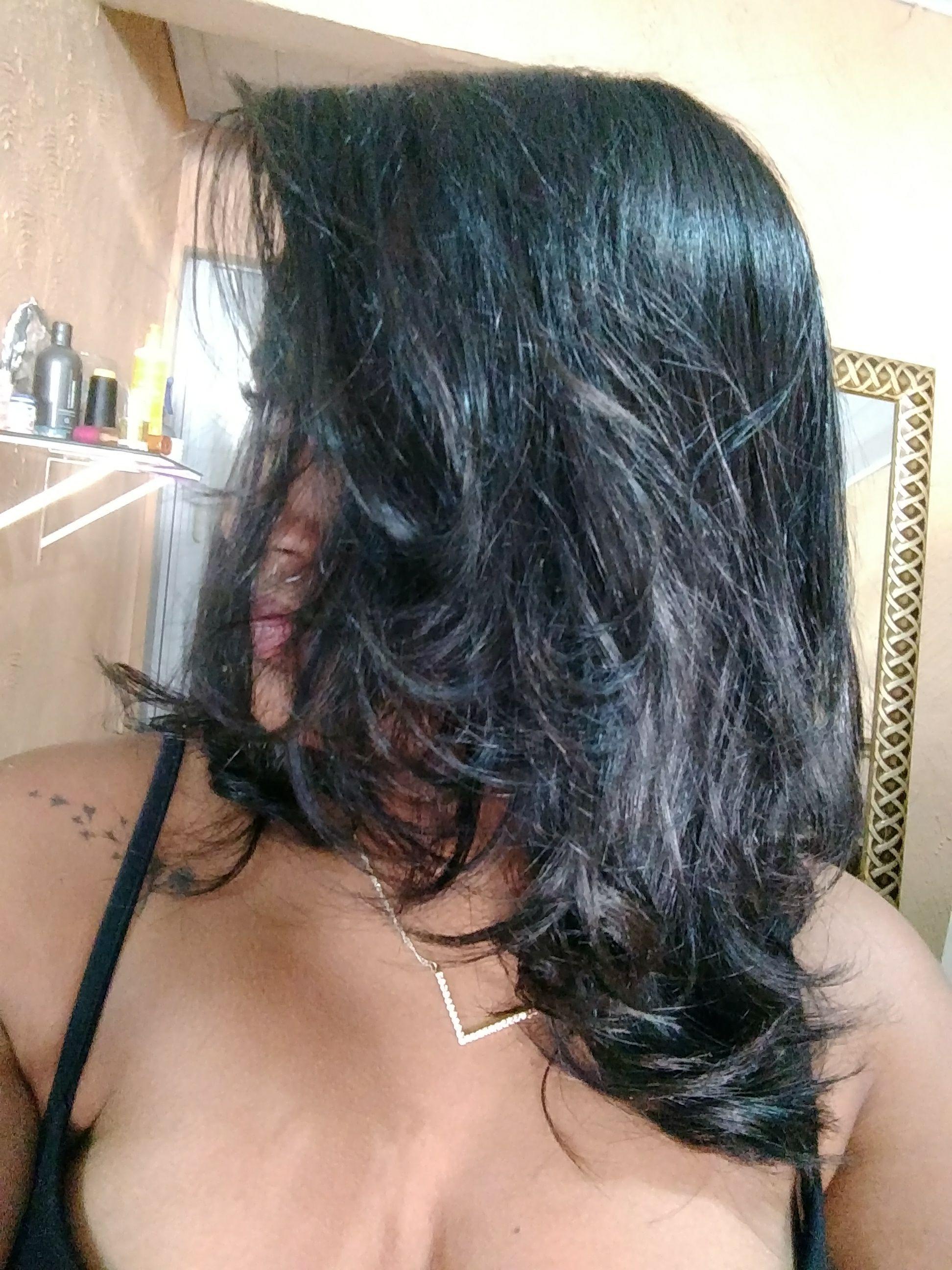 Corte , escova e hidratação com queratina e verniz cabelo auxiliar cabeleireiro(a)