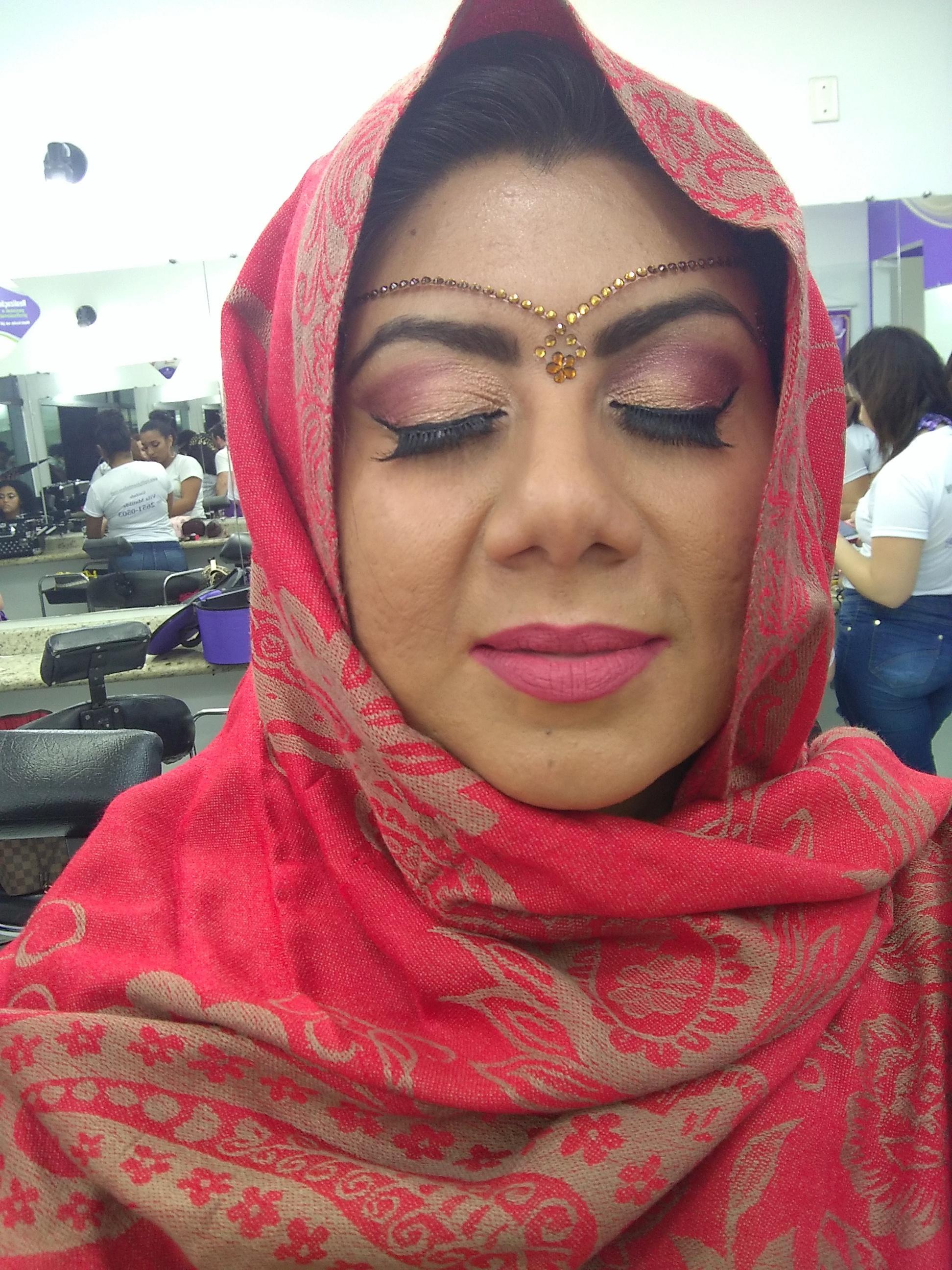 Maquiagem indiana maquiagem estudante (maquiador)