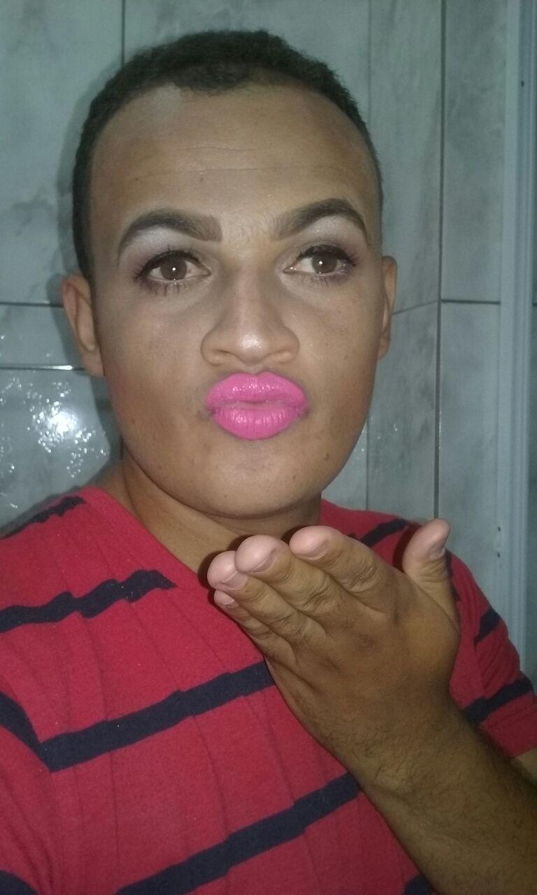 Maquiagem inspirada no Pablo Vitar maquiagem maquiador(a) designer de sobrancelhas