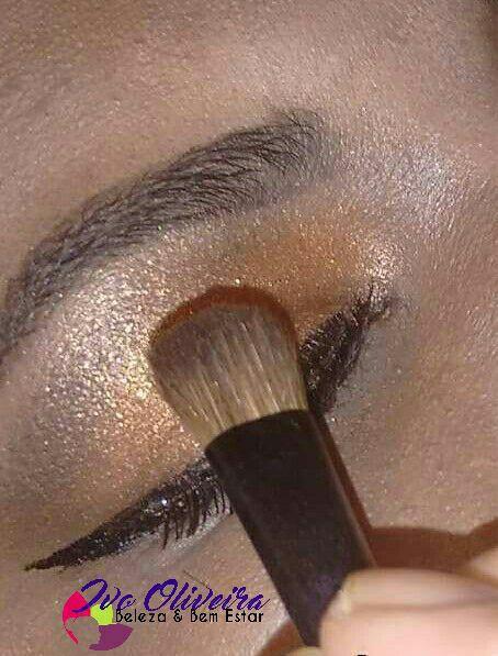 #make #pelenegra #bonze #olho #delineado maquiagem cabeleireiro(a) escovista dermopigmentador(a) designer de sobrancelhas maquiador(a) micropigmentador(a)