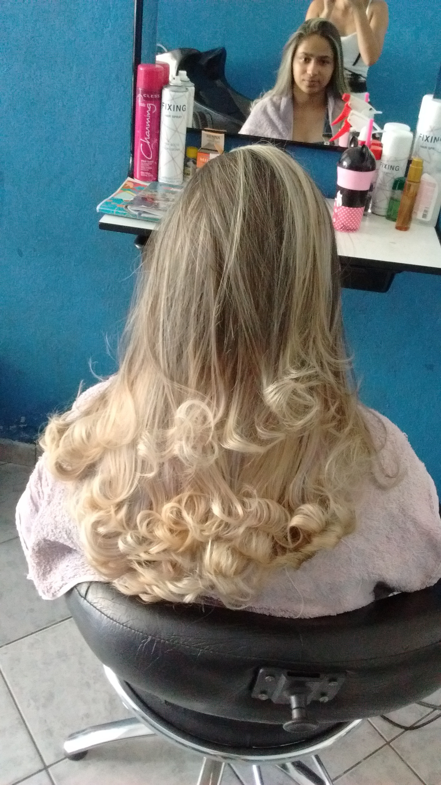 Ombre Hair em cabelos com resíduos de coloração cabelo cabeleireiro(a)