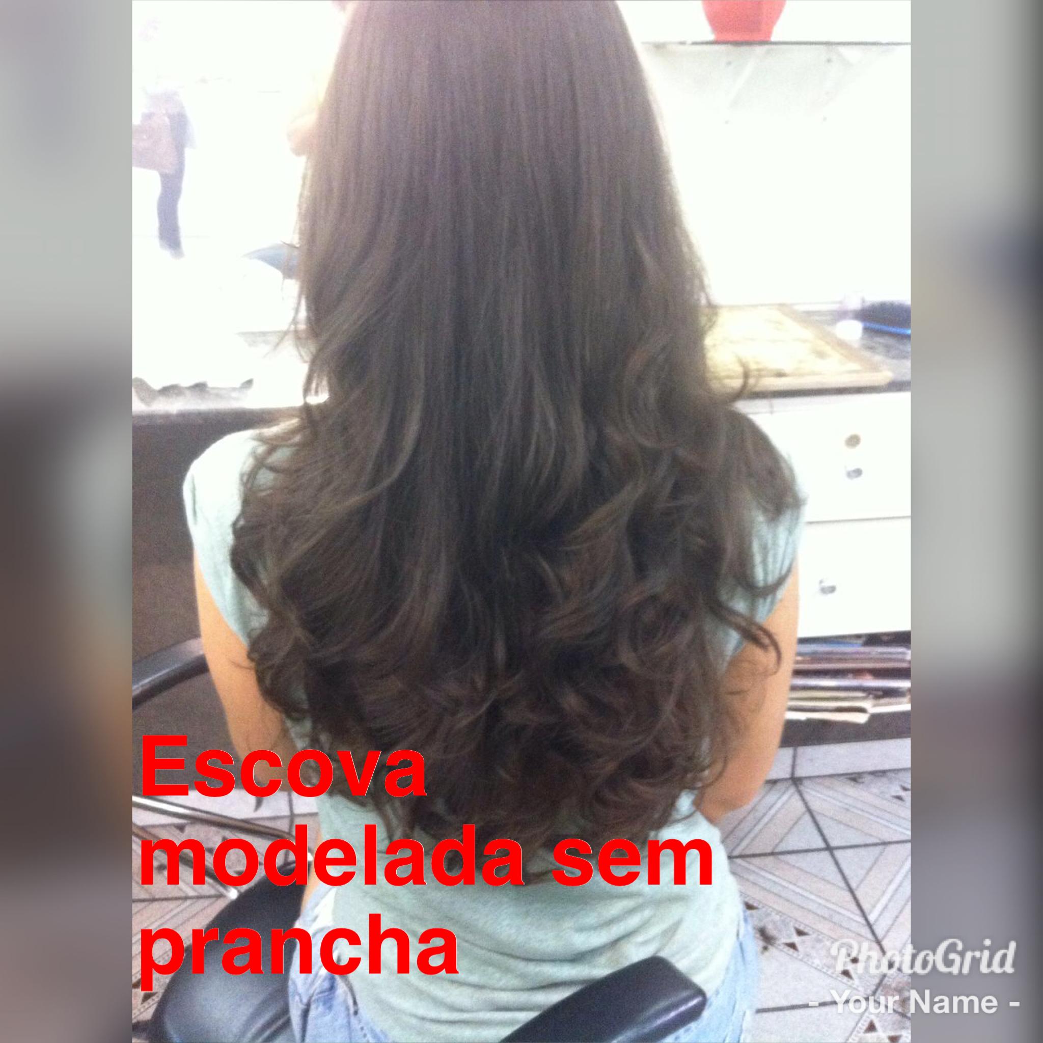 A cliente deseja uma escova modelada só que sem usar a prancha! cabelo auxiliar cabeleireiro(a)