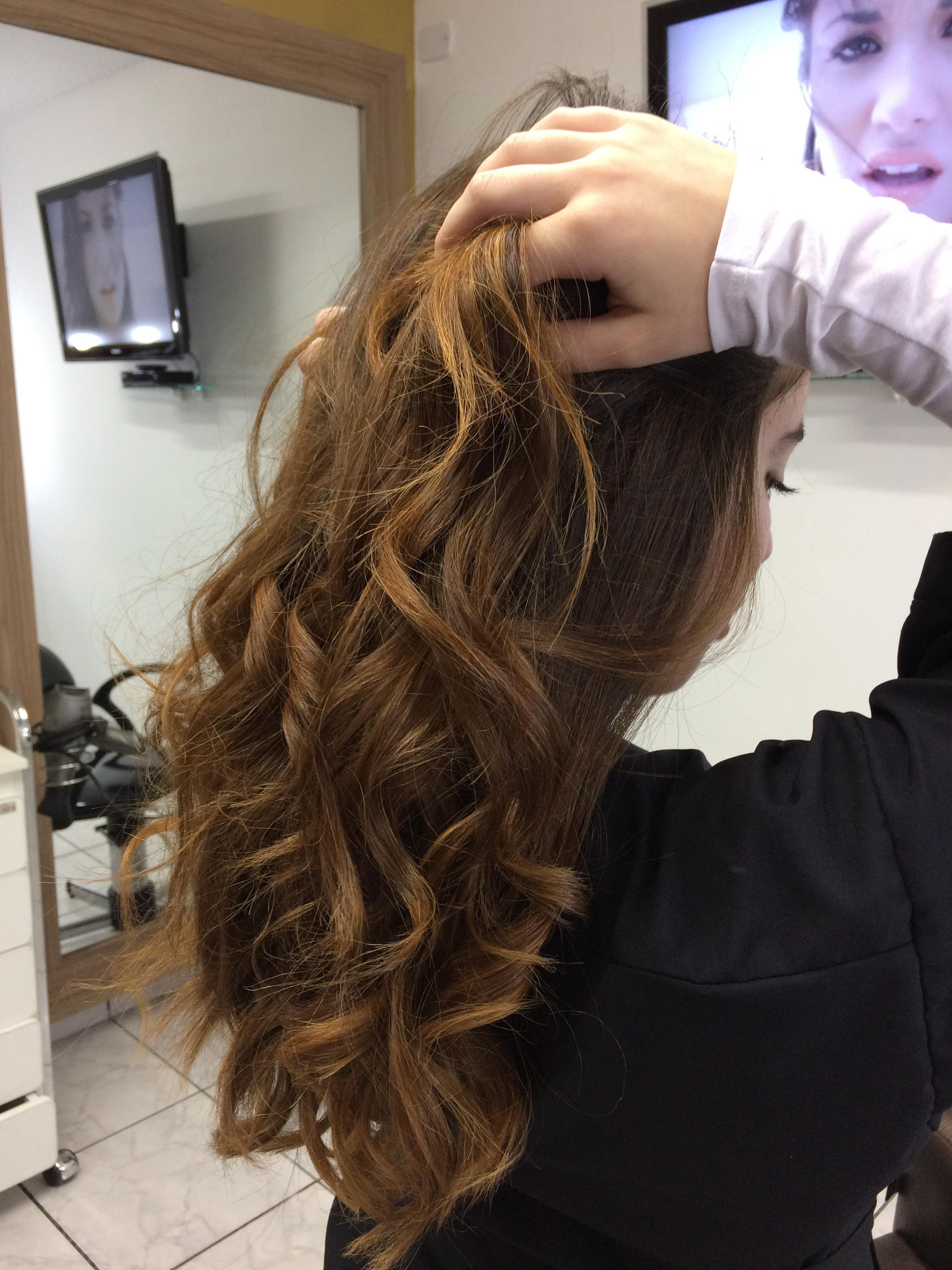 Trabalho de coloração  cabelo auxiliar cabeleireiro(a)