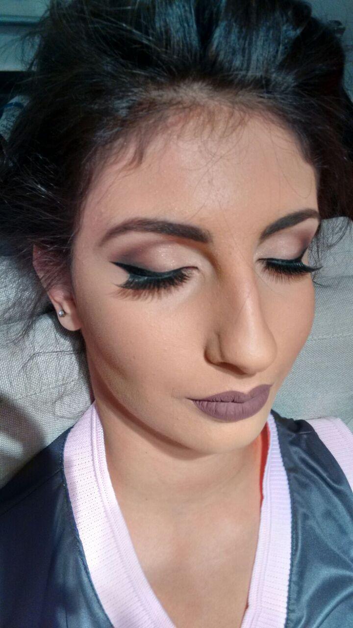 Maquiagem para convidada de debutante! #make-up #convidada #debutante #nudelips #batomacinzentado maquiagem maquiador(a)