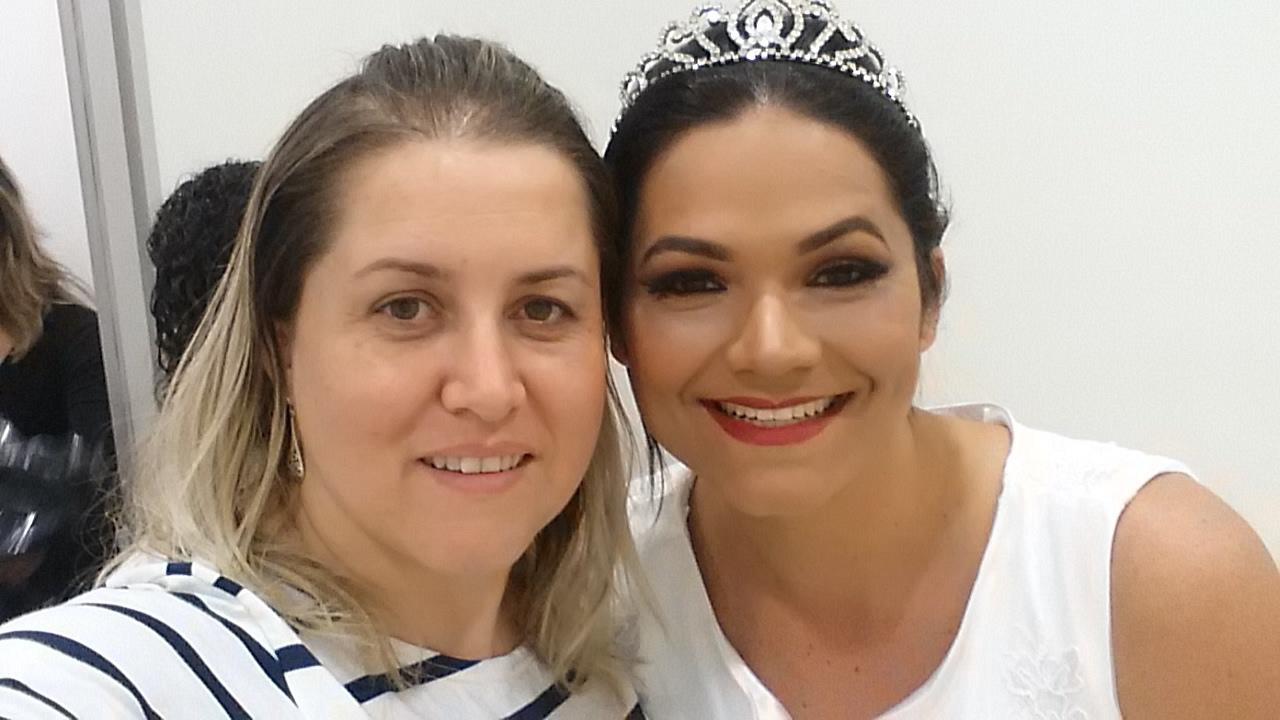 Noiva linda no desfile de final de curso de moda do senac! maquiagem maquiador(a)