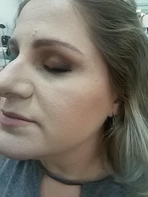 marron esfumado em pessoa de pele clarinha, é muita fineza !! ;) maquiagem maquiador(a)
