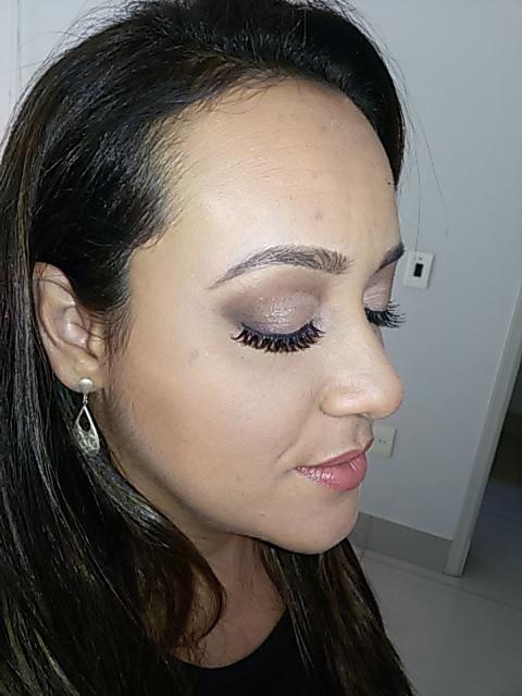 Make clássica para a linda noiva Márcia, que caprichou nos detalhes e quis fazer um ensaio fotográfico especial com suas madrinhas !!! Em breve o grande dia !! maquiagem maquiador(a)