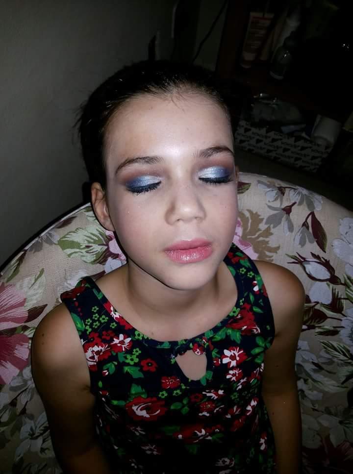 Maquiagem infantil para apresentação de dança !!! Show de bola!! maquiagem maquiador(a)