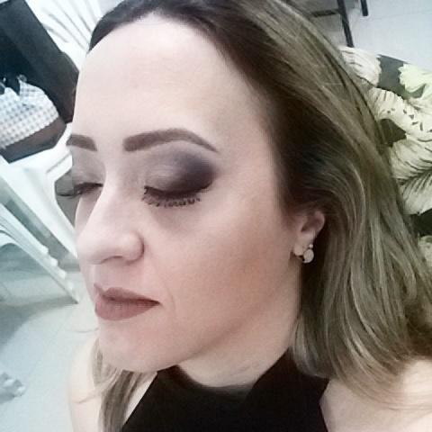 Amiga e cliente, ou cliente e amiga??  Não importa!! Ela arraza sempre!! maquiagem maquiador(a)