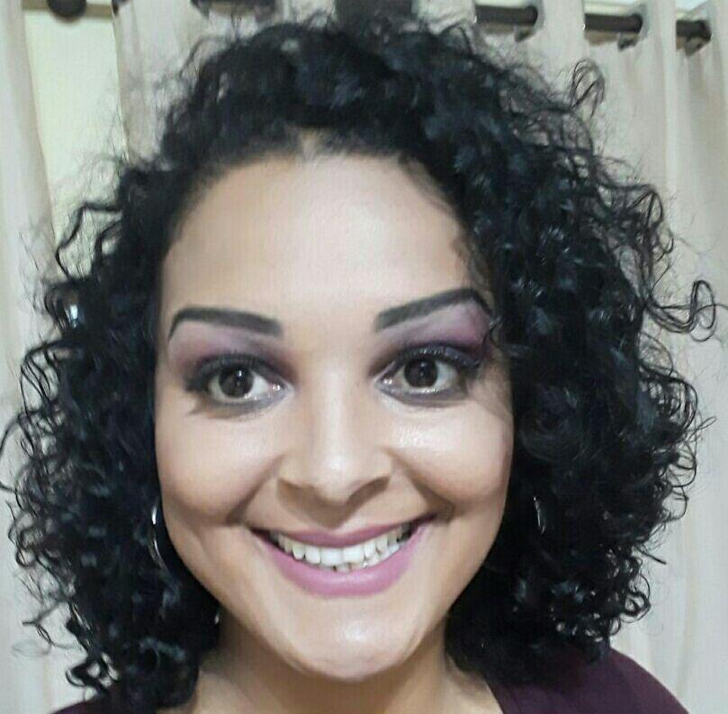 💄Preparação de pele 💄Contorno  💄Iluminação 💄Olhos Estados em preto e roxo 💄 batom rosa misturado a corretivo para cor mais fechada. maquiagem maquiador(a)