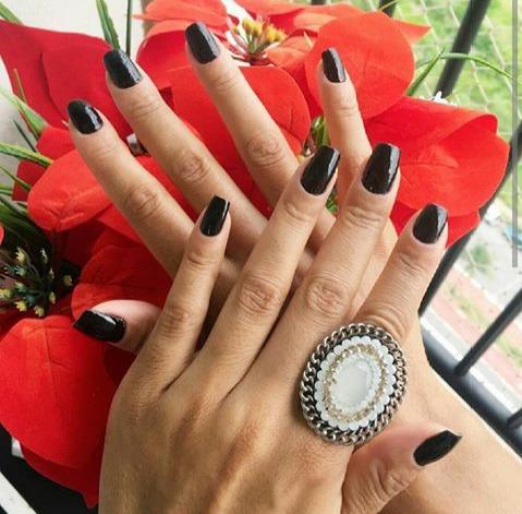 Aquele pretinho basico lindo! #nails #diva #luxury #myjob #unhas #universofeminino #beleza #brilho #nails #nailsart #unhasdecoradas #unhas #unhasdediva #myjob #manicure #naildesign #lovenails #loucasporunhas #unhasbonitassempre unha manicure e pedicure