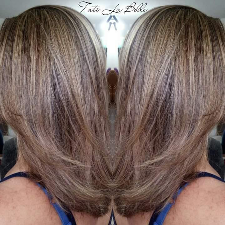 Trabalho realizado:  Luzes. Cliente: Carminha. #tatilabelle #trabalhandocomamor #arteemcabelo  cabelo cabeleireiro(a) auxiliar cabeleireiro(a) estudante (cabeleireiro)