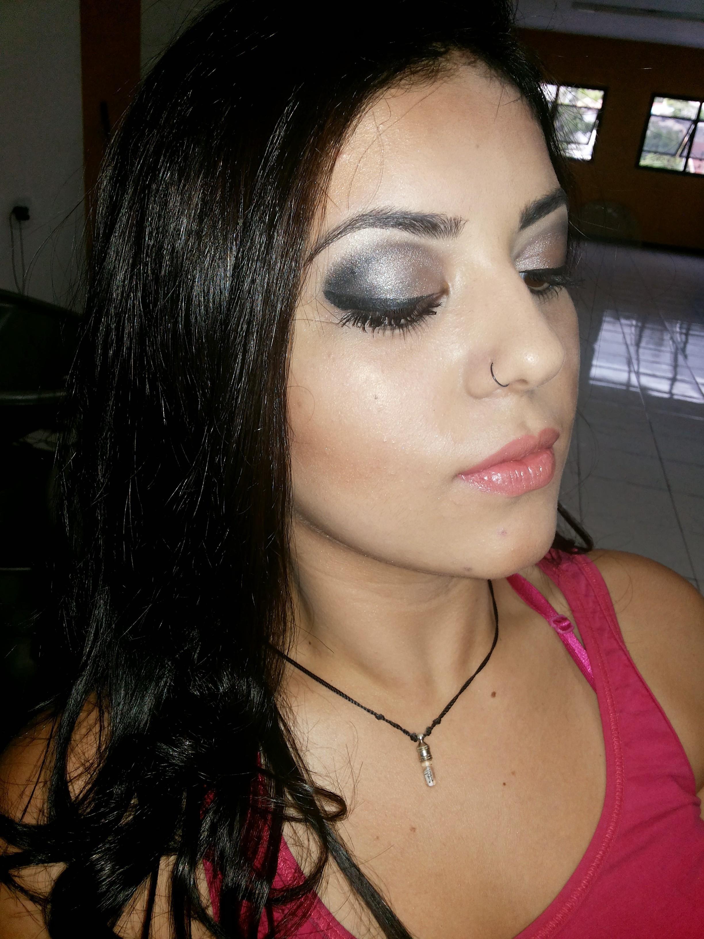 Formatura maquiagem maquiador(a) designer de sobrancelhas promotor(a) de vendas manicure e pedicure