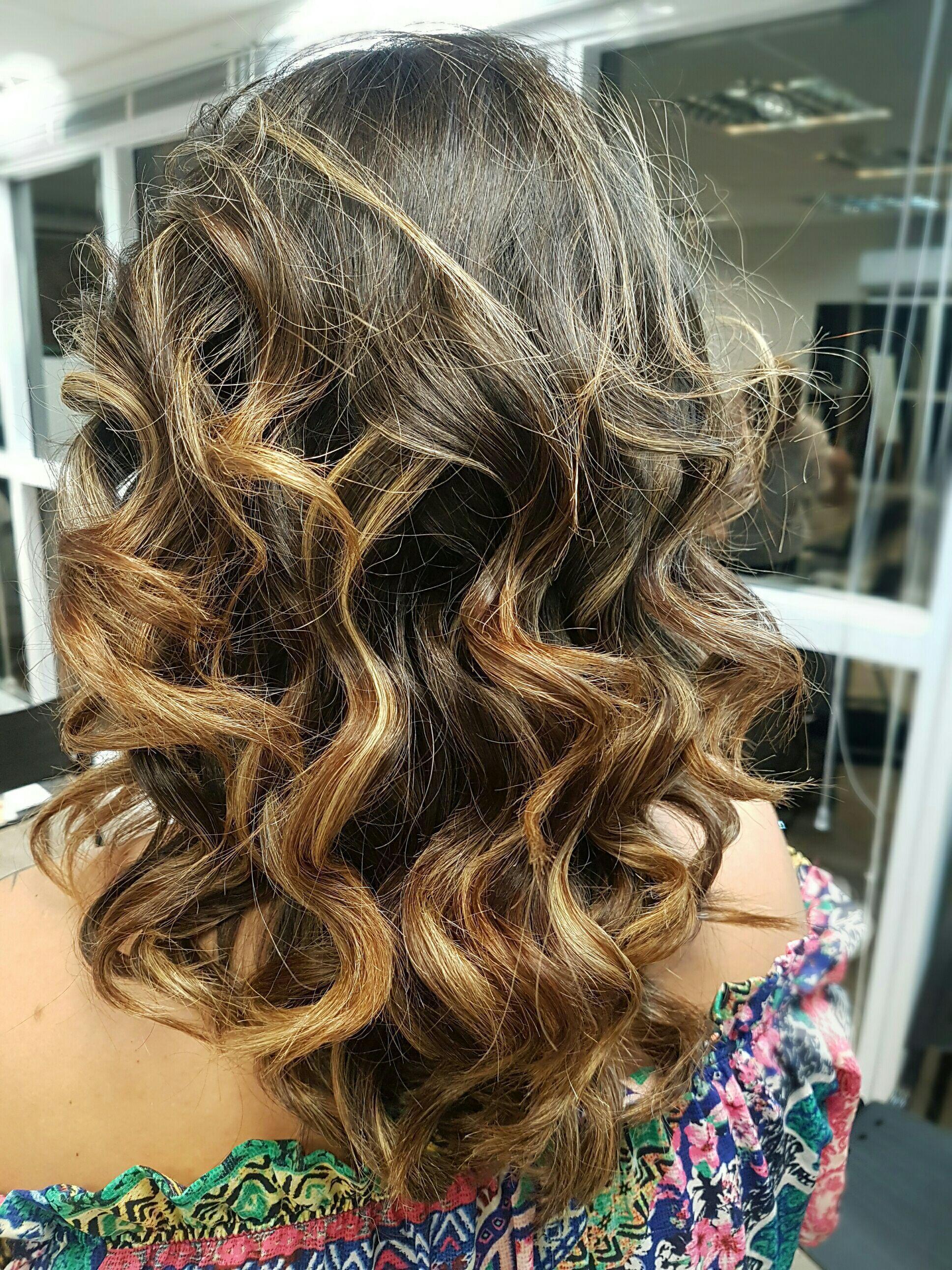 Escova com ondas 😍 cabelo auxiliar cabeleireiro(a) auxiliar cabeleireiro(a) auxiliar cabeleireiro(a)