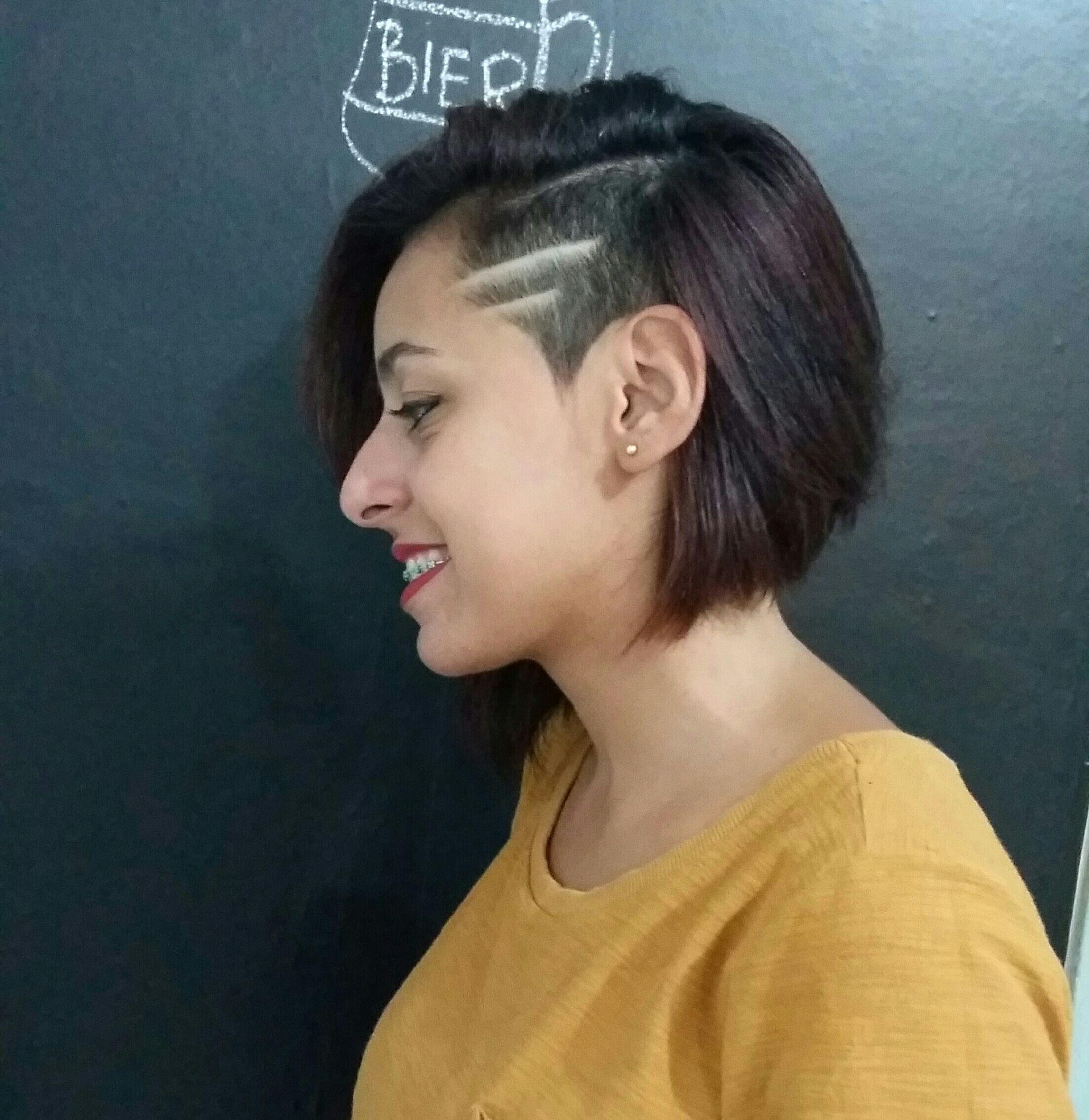 Haircut Feminino 💇😍 #cortefeminino #diferente #haircut #razorpart #barberwoman #barberlovers #barberbrasil #wahl #magicclip #detailer #supertaper cabelo barbeiro(a) cabeleireiro(a)
