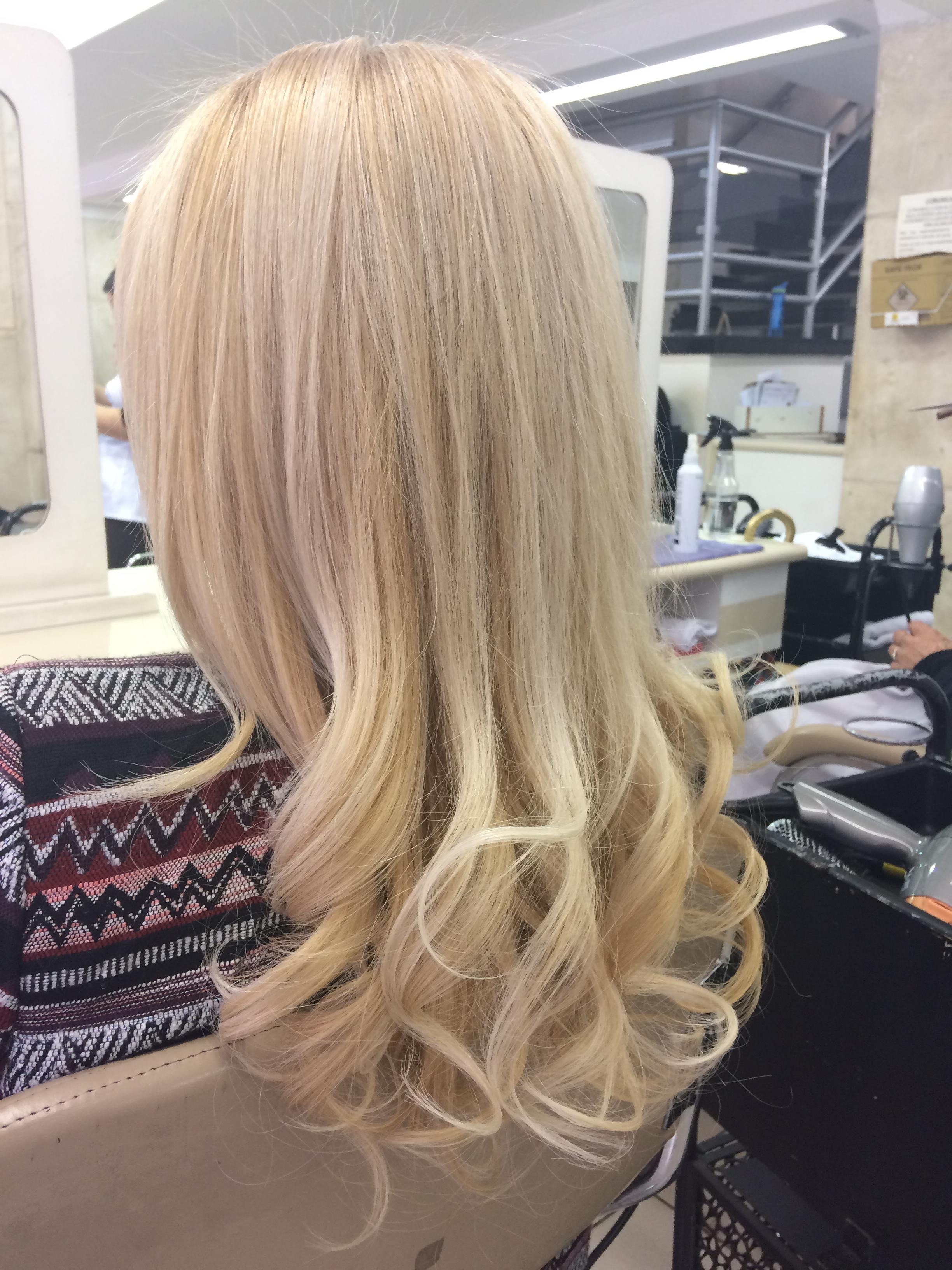 Grande amiga!!  cabelo auxiliar cabeleireiro(a) vendedor(a)